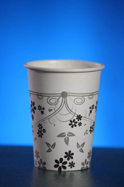 כוס בעיצוב אבסטרקטי